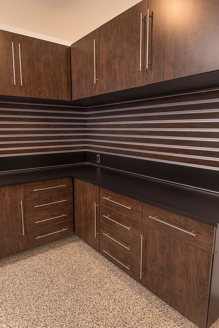 alder countertops a autumn rich with contemporary cabinets granite kitchen kitchens showcasing tucson cabinet remodel remodels stain